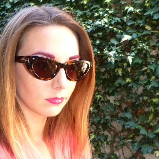 lynnie tries pink eyebrows