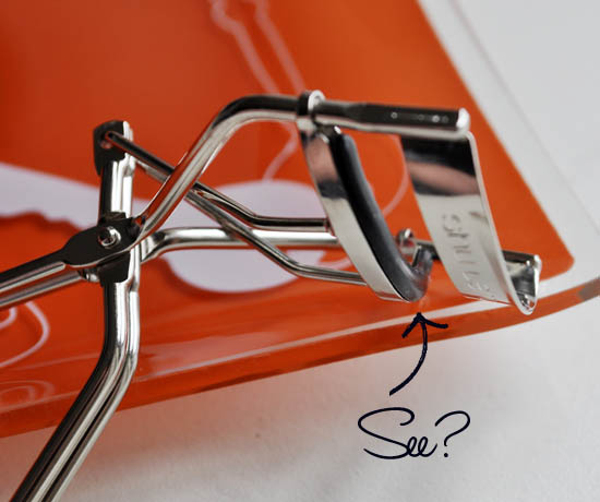 shu uemura eyelash curlers - the rubber pad in the clamp