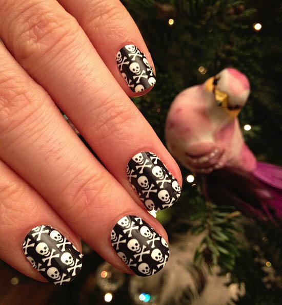 Off Kilter Christmas Nails Claire S Accessories Nail Stickers Review Beaut Ie