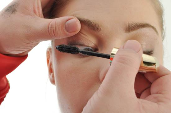 mascara tutorial step 1