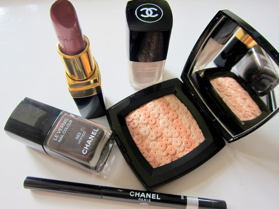 Les Essentiels de Chanel Make Up Collection AW 12