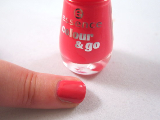 Essence Colour and Go nail polish 107 naughty and pink!
