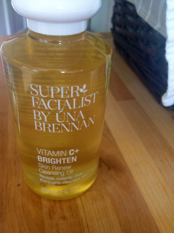una brennan superfacialist vitamin c+ cleansing oil