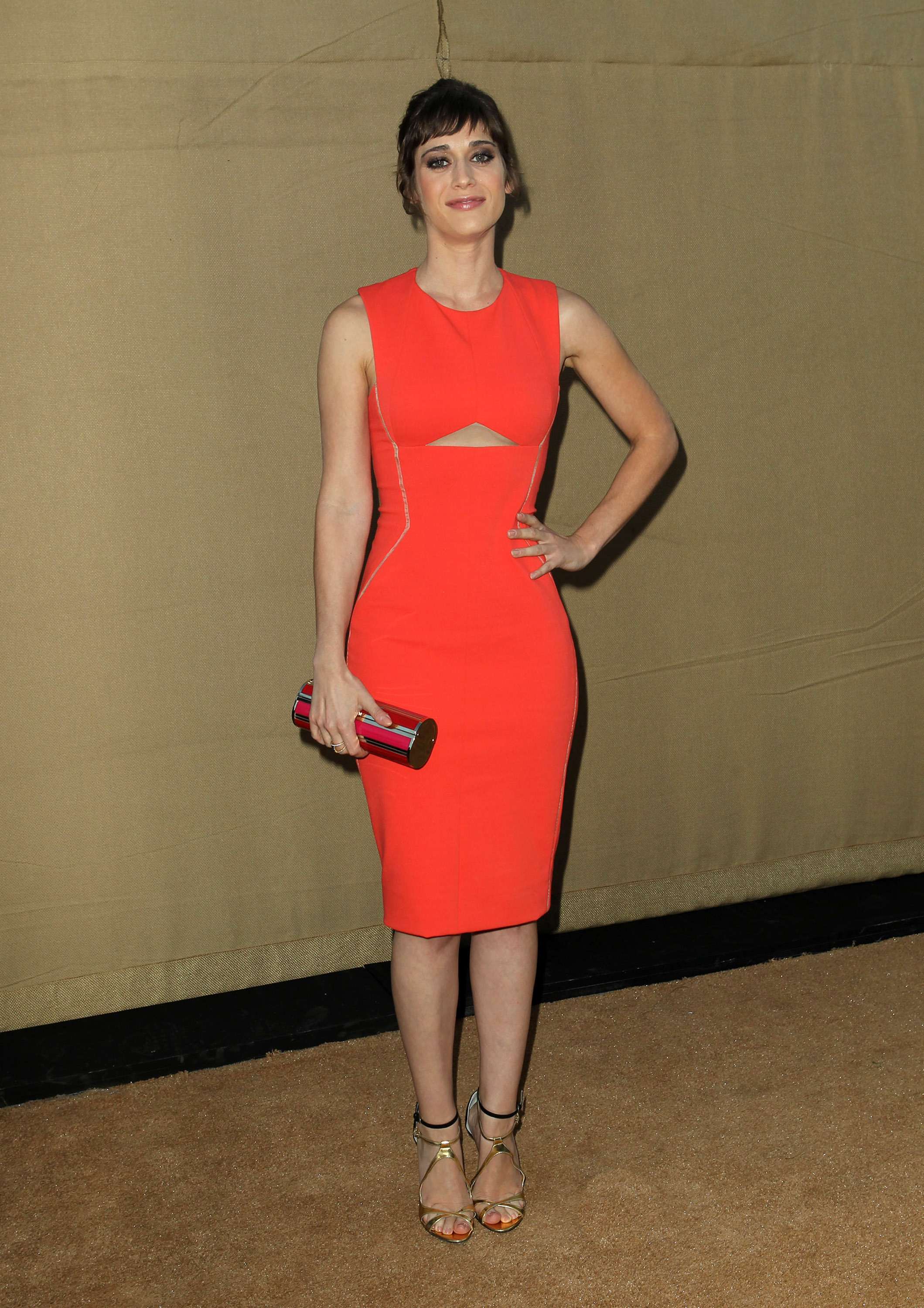 Style Crush: The Sartorial Transformation of Lizzy Caplan ...