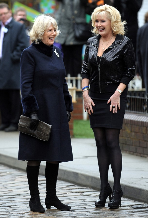 Liz and her mam discuss leather pants