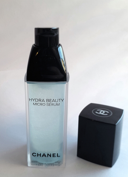 Hydra Beauty Micro Serum cap off