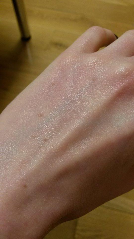 cream hand