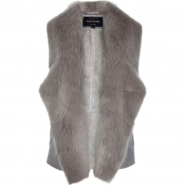 River Island, €80 (online only)