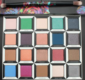 Urban-Decay-Alice-Through-Lookingglass-Palette-phyrra