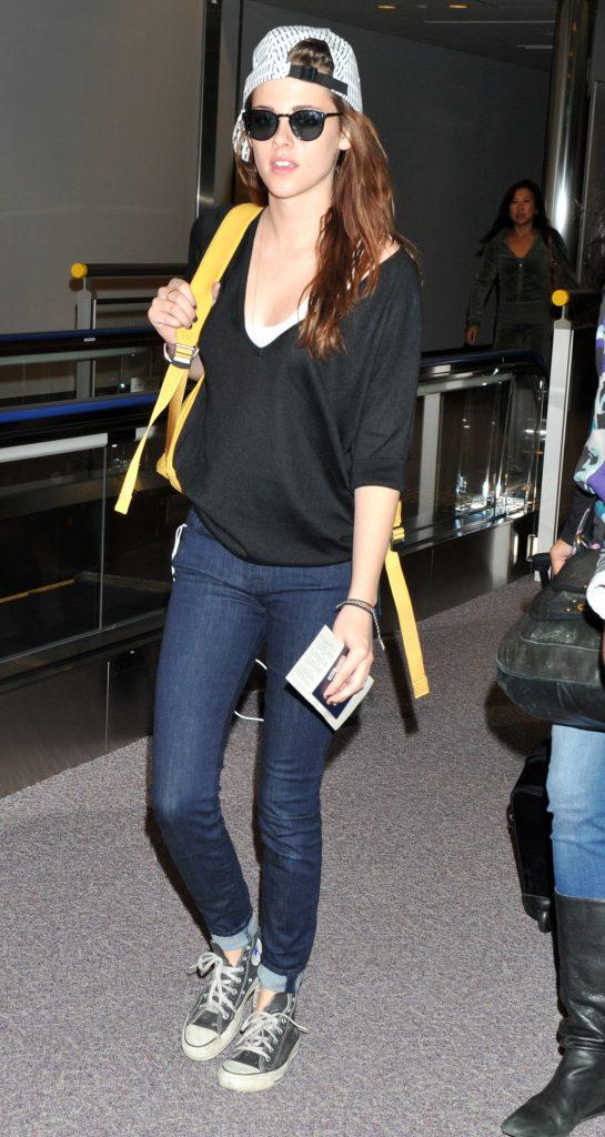 Kristen Stewart arrives at Narita International Airport Tokyo, Japan - 22.10.12 Featuring: Kristen Stewart When: 22 Oct 2012 Credit: WENN