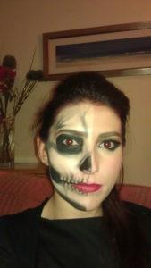 pretty-halloween-makeup-half-skull