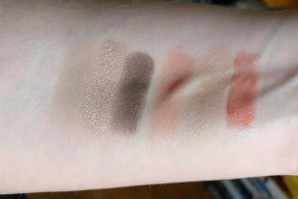 bareminerals-keep-itglowing-swatches