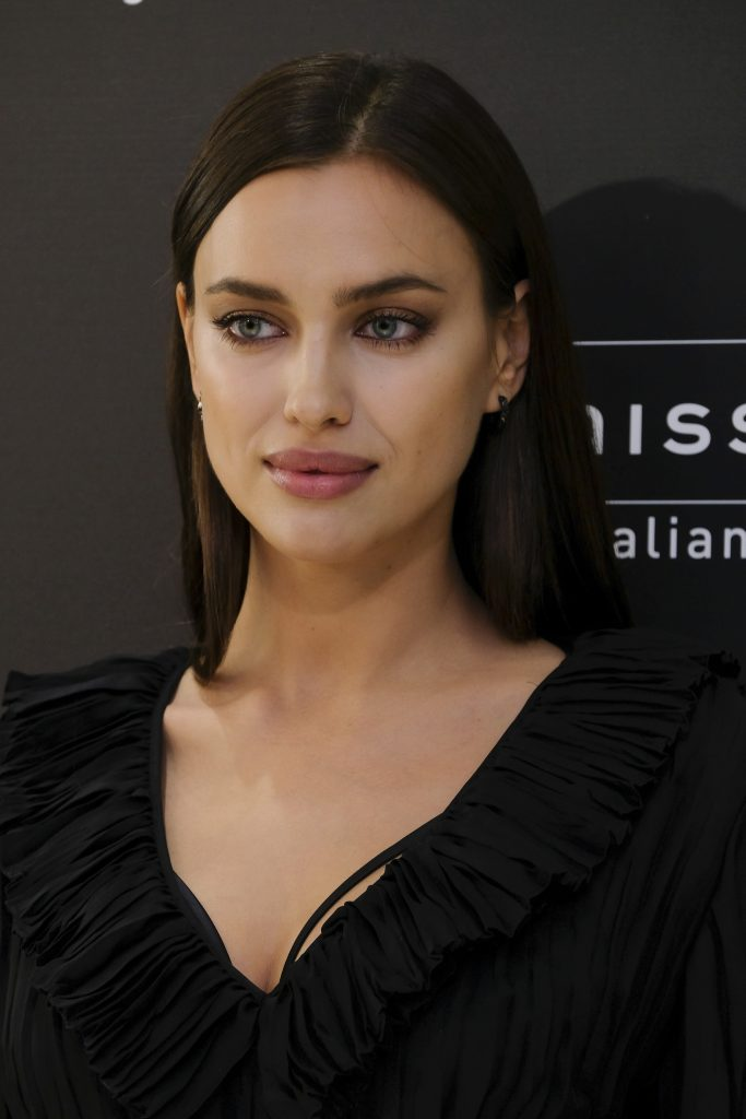 Did you know victorias secret makeup is the perfect look for irina shayk soft bridal makeup solutioingenieria Image collections