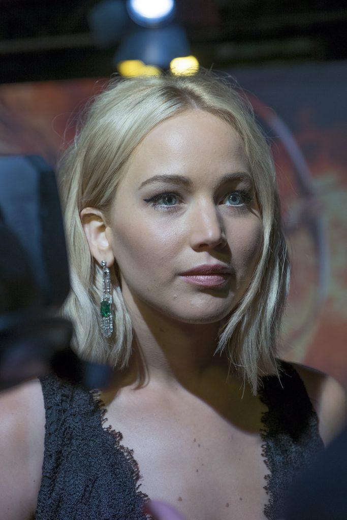 Jennifer Lawrence with her gel eyeliner on fleek