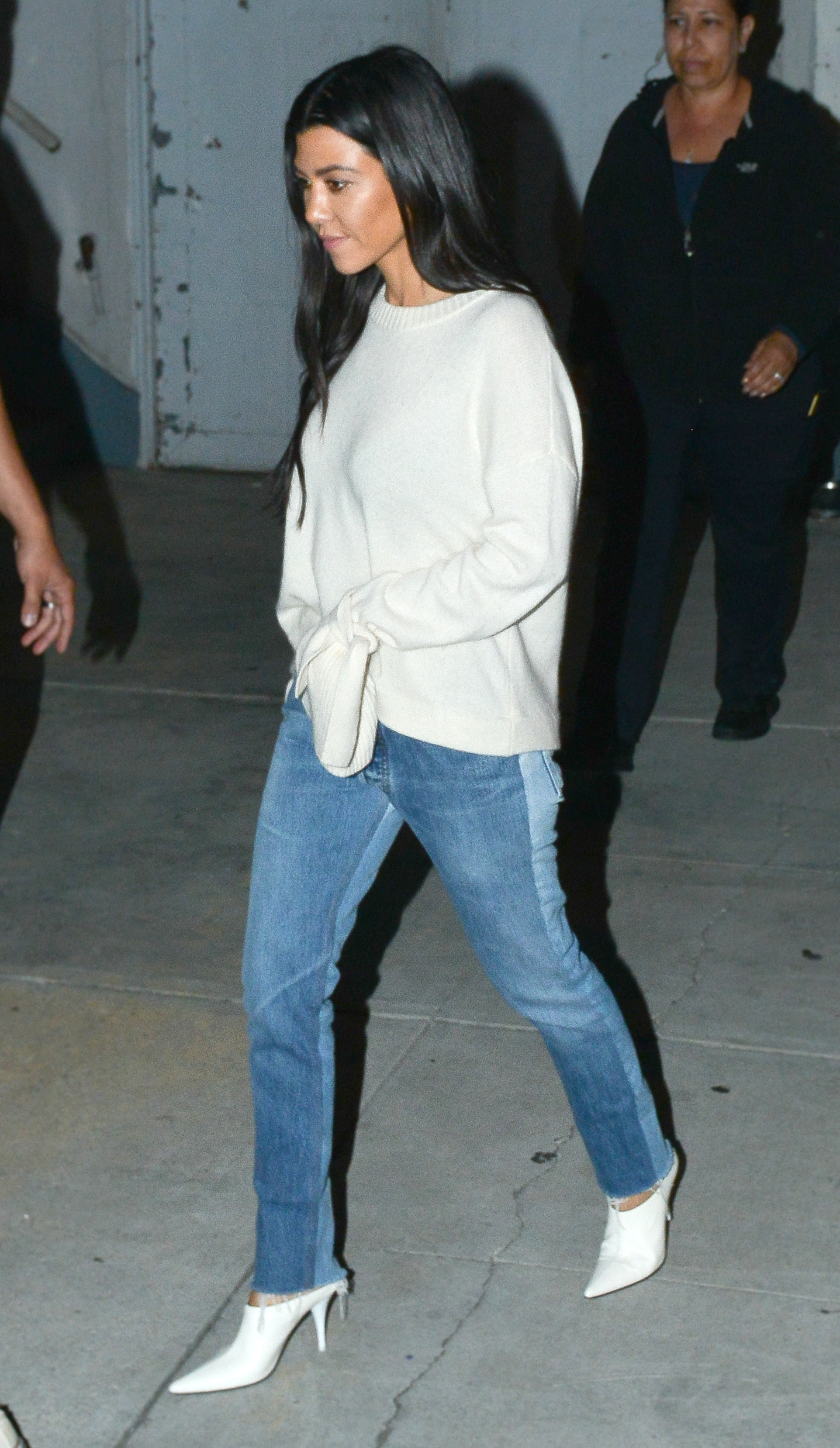 Kourtney Kardashian went to mass in an outfit we want to wear to ...