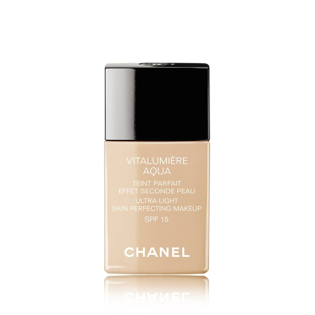 lightweight foundations Chanel