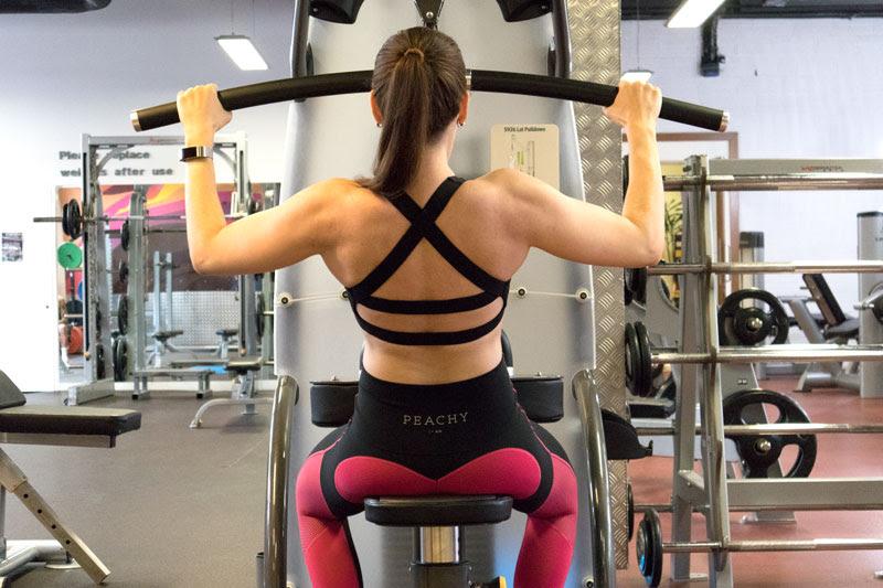 eva burg lifting weights